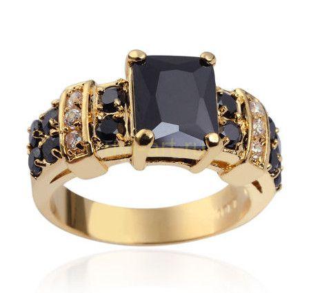 Позолоченное мужское кольцо с ониксом и искусственными бриллиантами