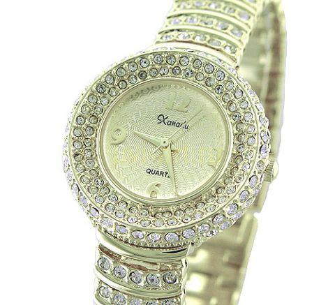 Женские часы из этой коллекции украшены замечательными стразами Сваровски Купить наручные женские часы со стразами от