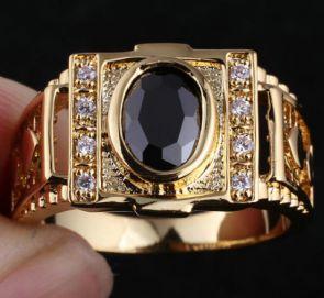 Позолоченные кольца и перстни